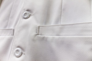 Reinforced Pocket Seams Lab Coat